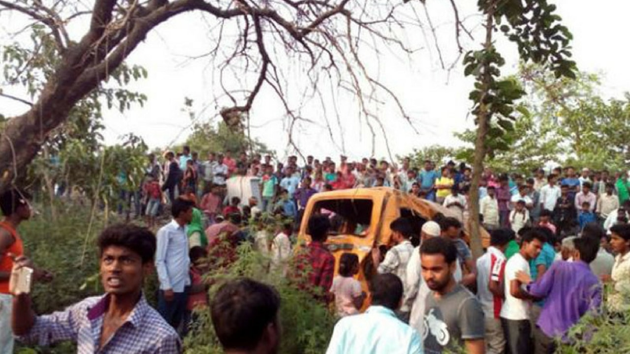 Details About School Bus Accident in India: 13 Children Have Died and Injured Are... 2