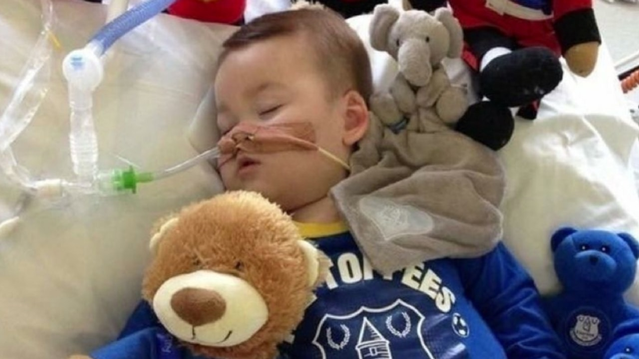 Alfie Evans, Ventilation, Boy, Hospital, Sick, Protesting,