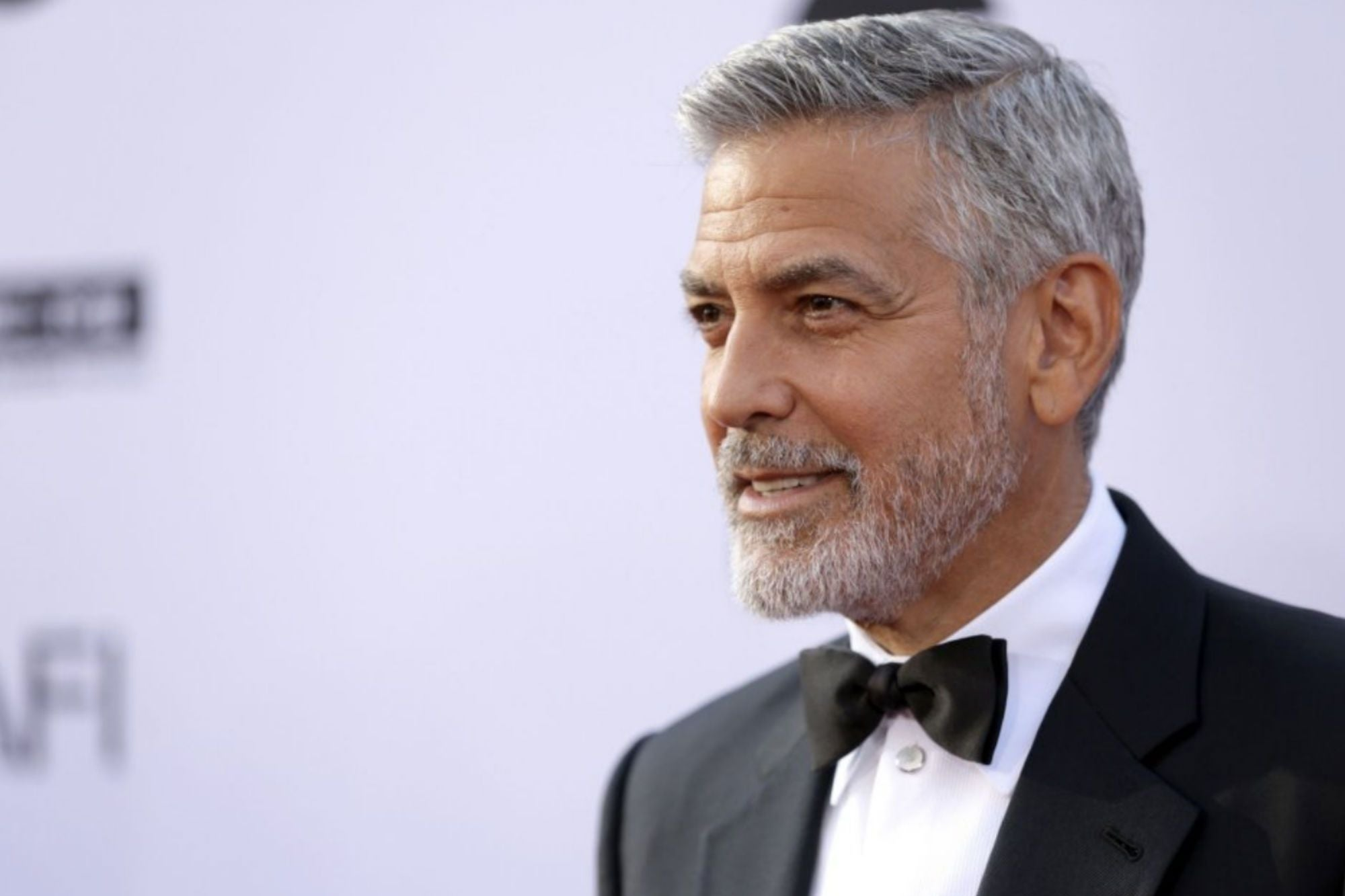 George Clooney grew a big beard and lost 30 pounds dramatically and he is in а very serious health condition