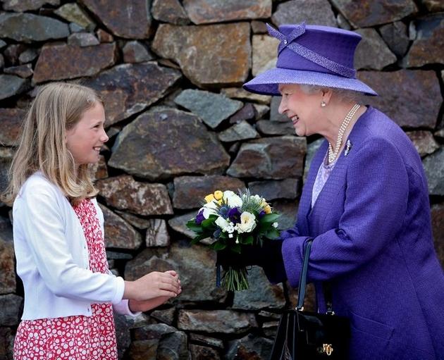 10 royal rules broken by Queen Elizabeth