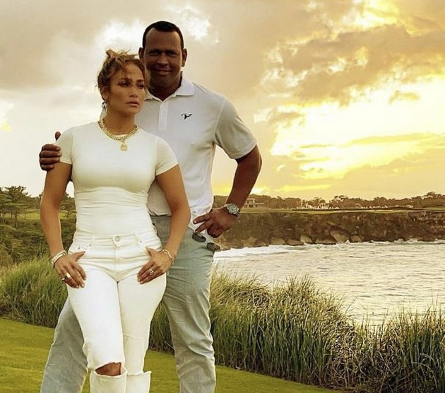 "celebrity couples: Jennifer Lopez and Alex Rodriguez ""split"" after postponing the wedding twice"