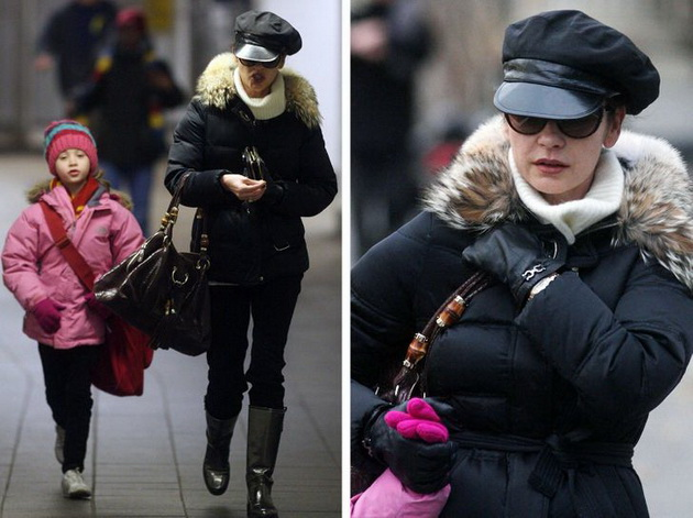 11 celebrities who have made millions but lead a normal life Catherine Zeta-Jones takes her daughter to school with the subway