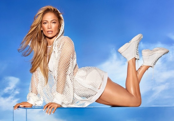 Photo: Jennifer Lopez seduces in the new campaign for her footwear collection