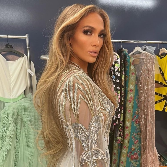 """Jennifer Lopez in glamorous overalls by Elie Saab and Zuhair Murad at the """"Vax Live"""" concert where she sang with her mother"""