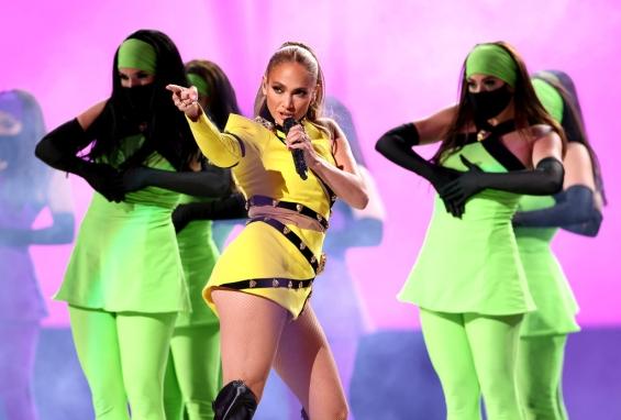 Fashion house Roberto Cavalli made a yellow creation for Jennifer Lopez.