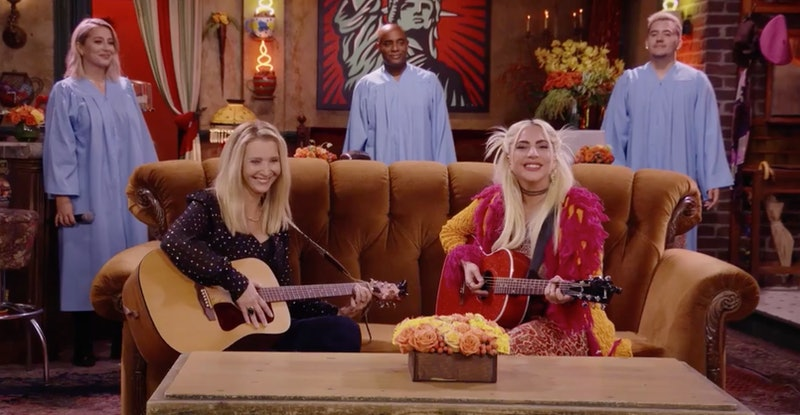 Lady Gaga and Lisa Kudrow sing Smelly Cat Phoebe's most famous song from Friends (video)