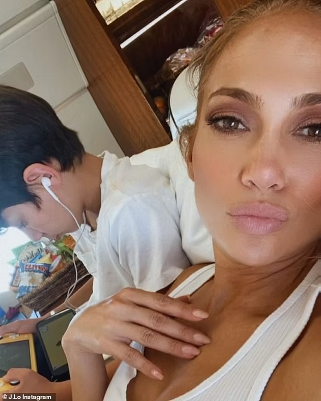 JLO can't wait to introduce the kids to Ben Affleck - What do they think about the new relationship and breakup with Alex?