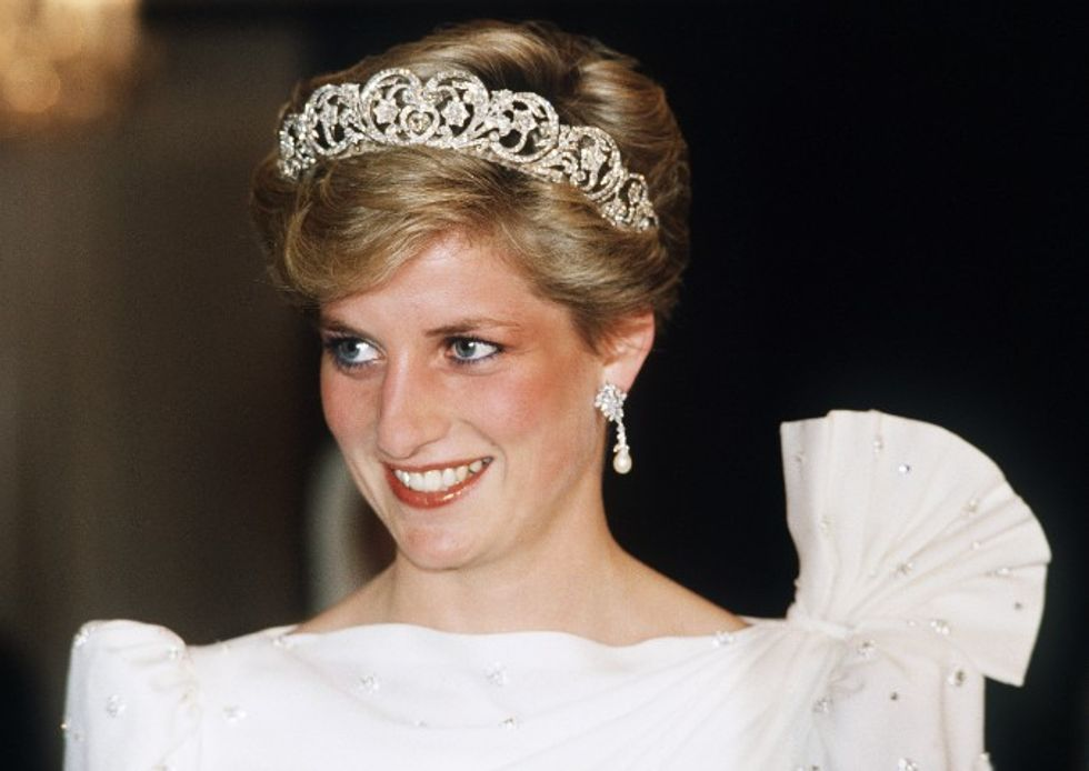A letter appeared to Princess Diana: Lady Di knew she was going to die and who was planning to kill her?