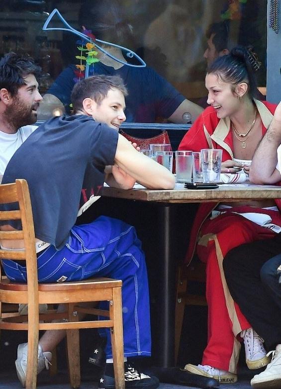 Bella Hadid no longer hides her relationship with her new boyfriend